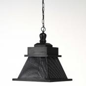 Lámpara de madera en forma de piramide